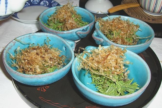 Salade de feuilles de thé vert
