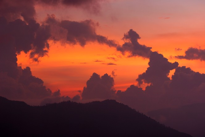 Soleil couchant à Darjeeling.
