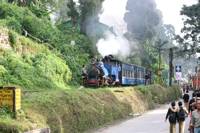 Le train de Darjeeling nécessite un effectif important