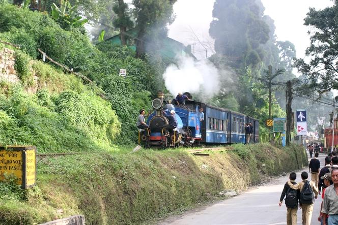 Le train de Darjeeling à Kurseong.
