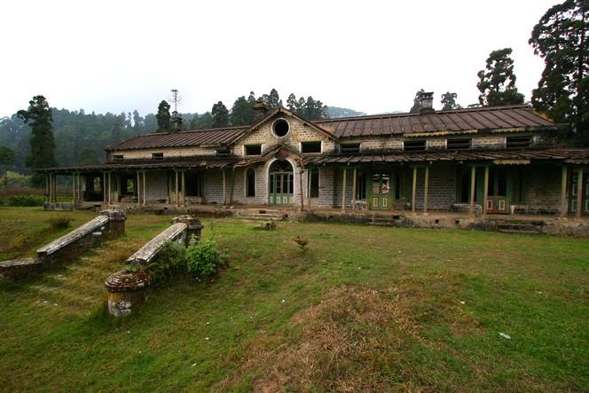 Club de planteurs de thé abandonné à Darjeeling.