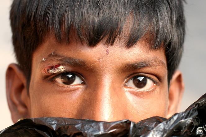 Un gamin des rues de Kolkata.