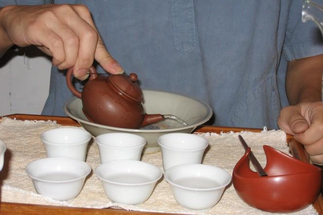 Préparer le thé selon la méthode Gong Fu