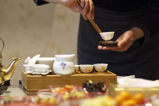 Comment rendre l'art du thé délicat