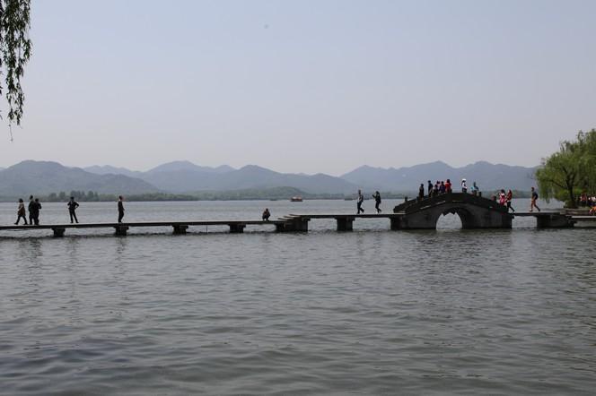 Le Lac de l'Ouest, haut lieu du tourisme chinois
