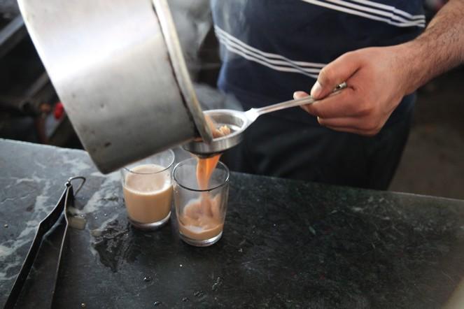 Un thé aux épices le long des routes indiennes