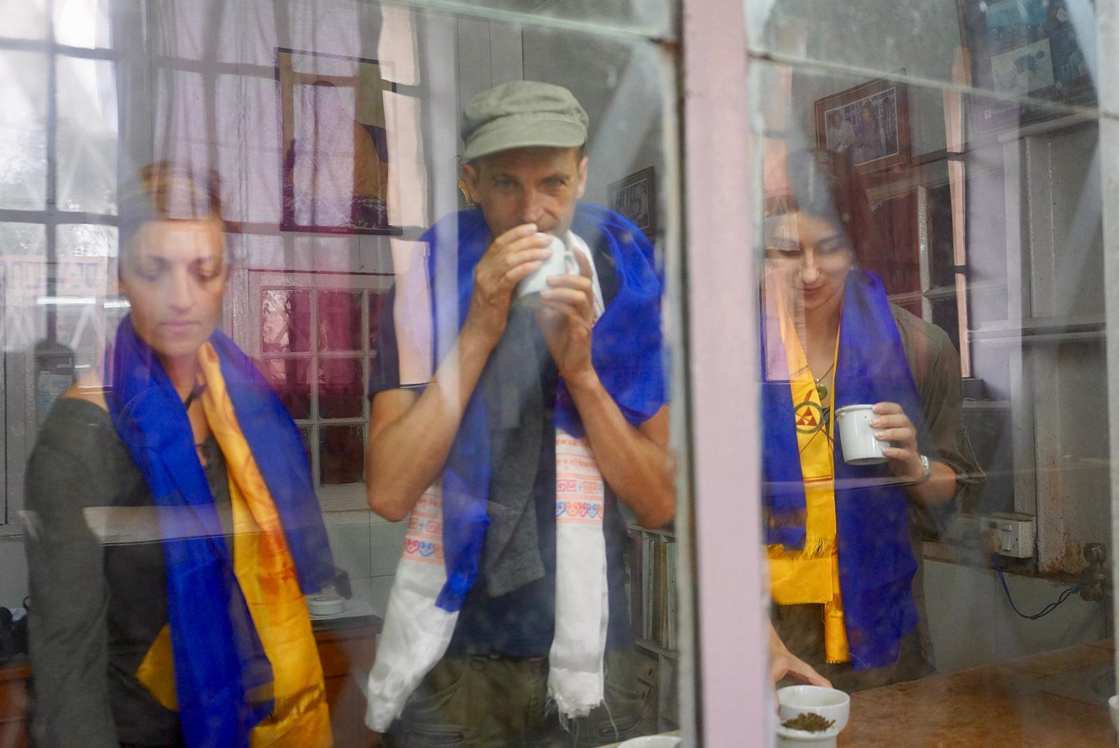 Avec Manuela et Nathanaëlle, « Tea Sommelières » diplômées