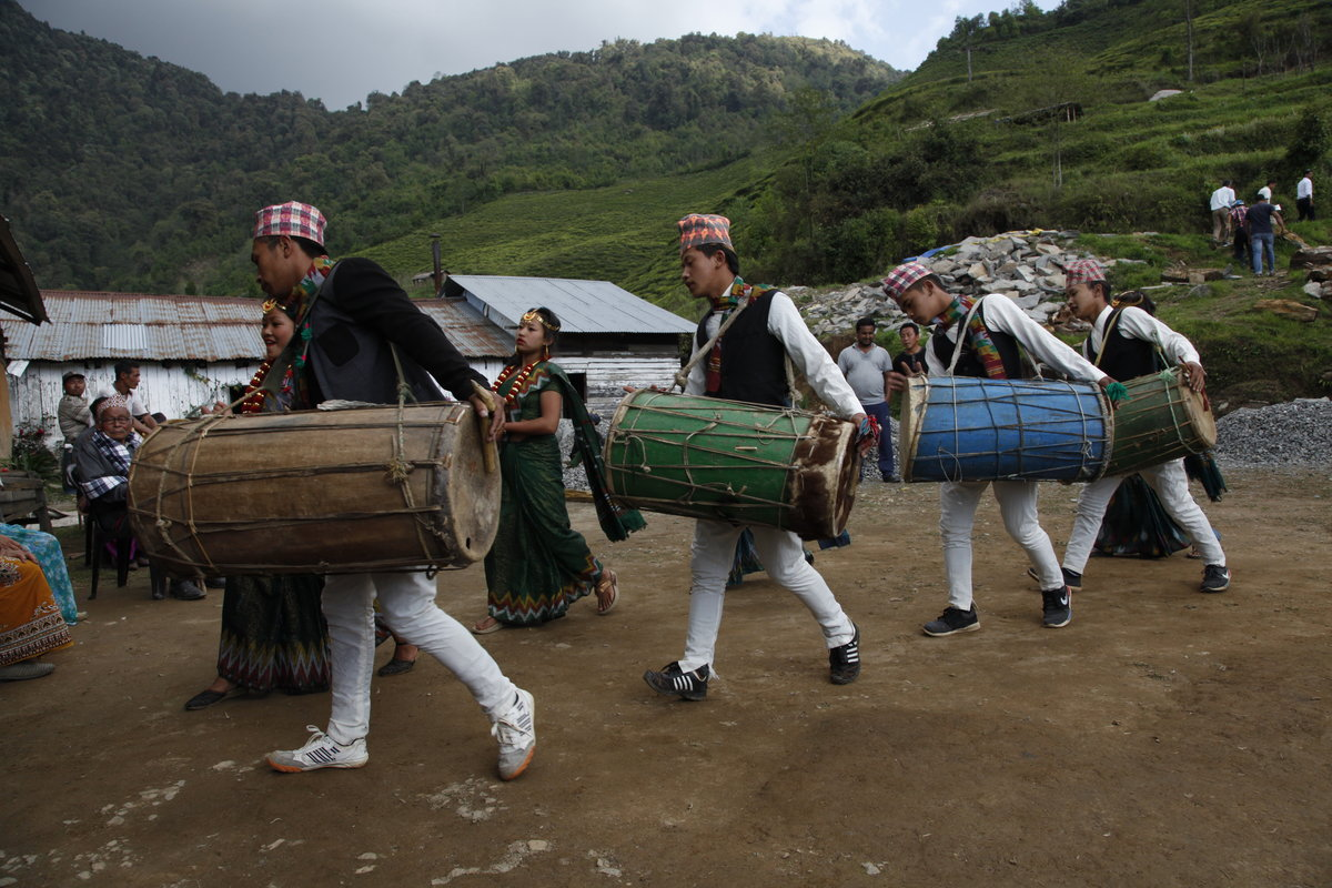 Dans l'Himalaya, un accueil en musique
