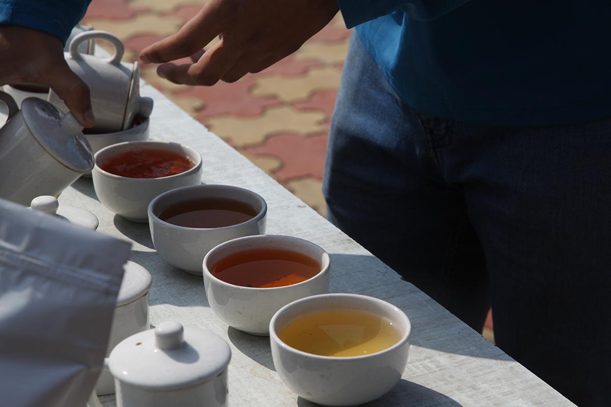 Cent thés par jour